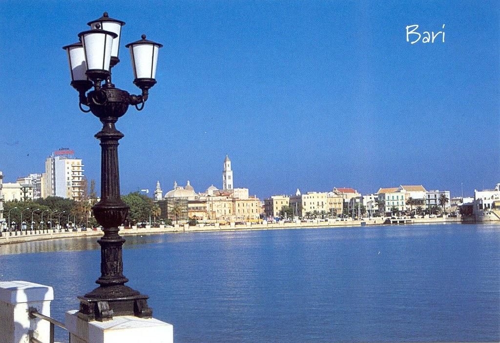Puglia látnivalói  - Bari, Lungomare