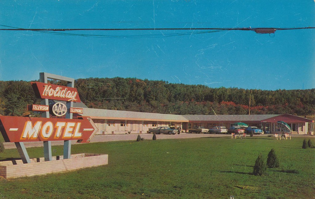 Holiday Motel - Iron Mountain, Michigan
