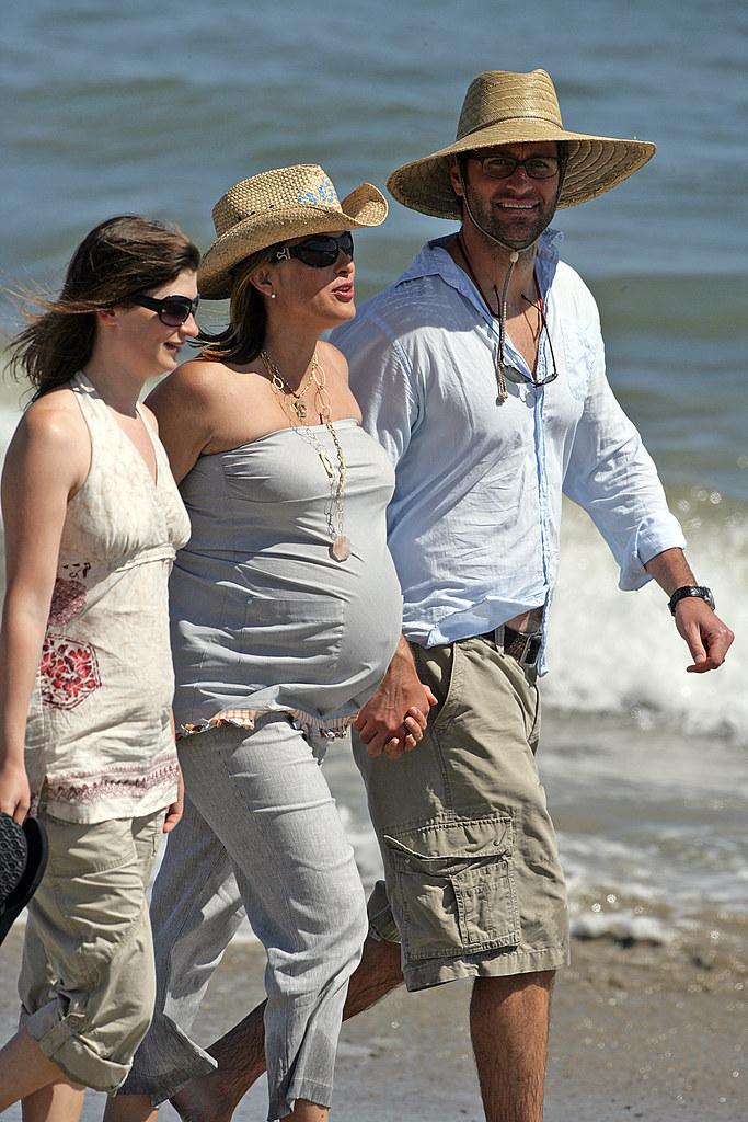 Mariska Hargitay Pregnant and Happy | 05-29-06 Malibu, Ca ...