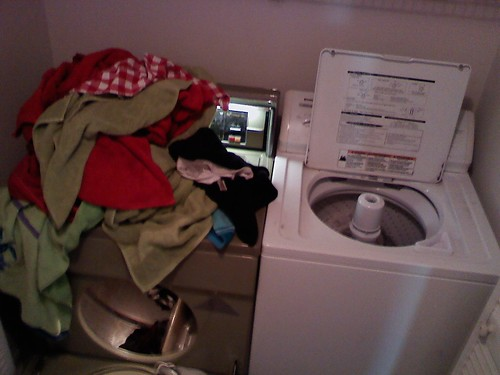 3:00pm - Laundry Complete! | by @HandstandSam