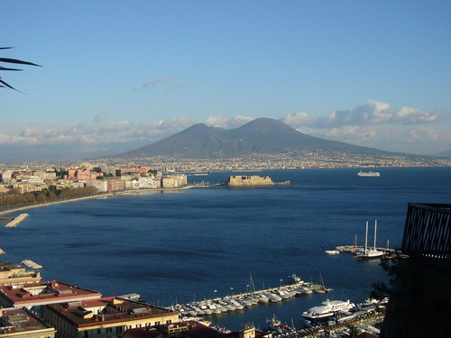 Napoli ed il Vesuvio. | by Zingaro. I am a gipsy too.