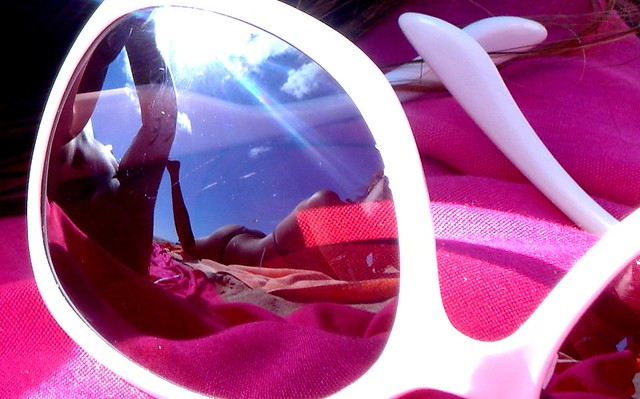 ... E pelo sim pelo não Eu vou ter sempre à mão os meus óculos de sol 580f688b5a