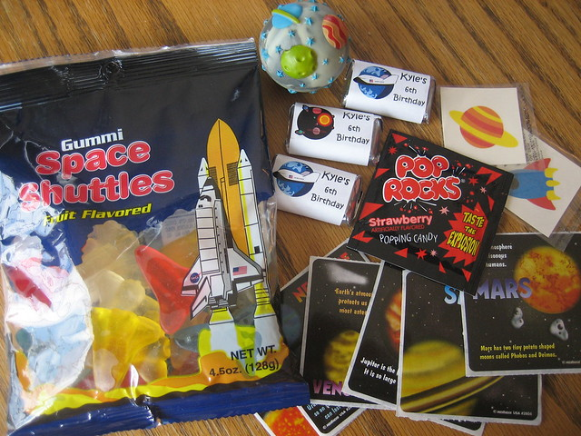 Space Ship Party Favors - Pics about space