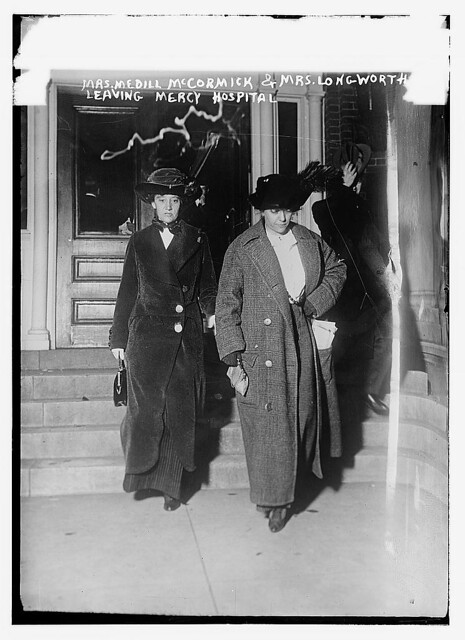 Mrs. Medill McCormick and Mrs. [Alice Roosevelt] Longworth leaving Mercy Hospital  (LOC)