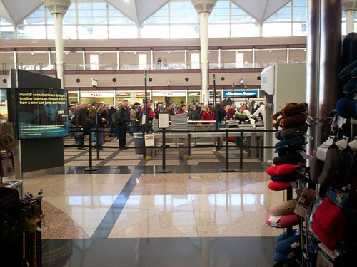 Security Waiting Line, Friday Morning at DIA. | by paulswansen