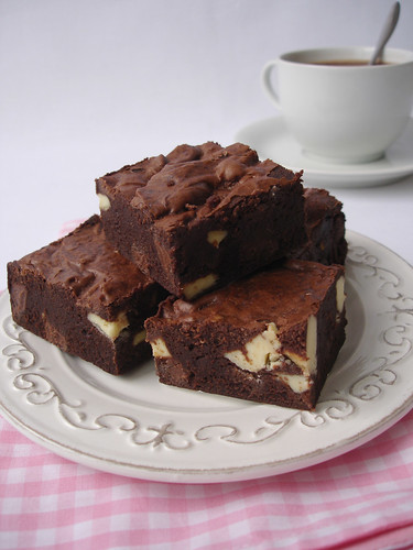 Triple choc brownies / Brownies triplos | by Patricia Scarpin