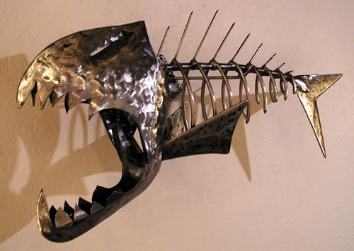 Metal fish sculpture sactoslacker flickr for Metal fish art