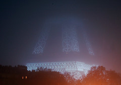 France - Paris 75007 - La tour Eiffel dans la brume | by Thierry B