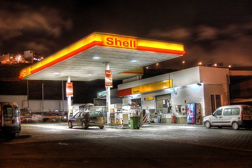 Shell petrol station | by maccanti