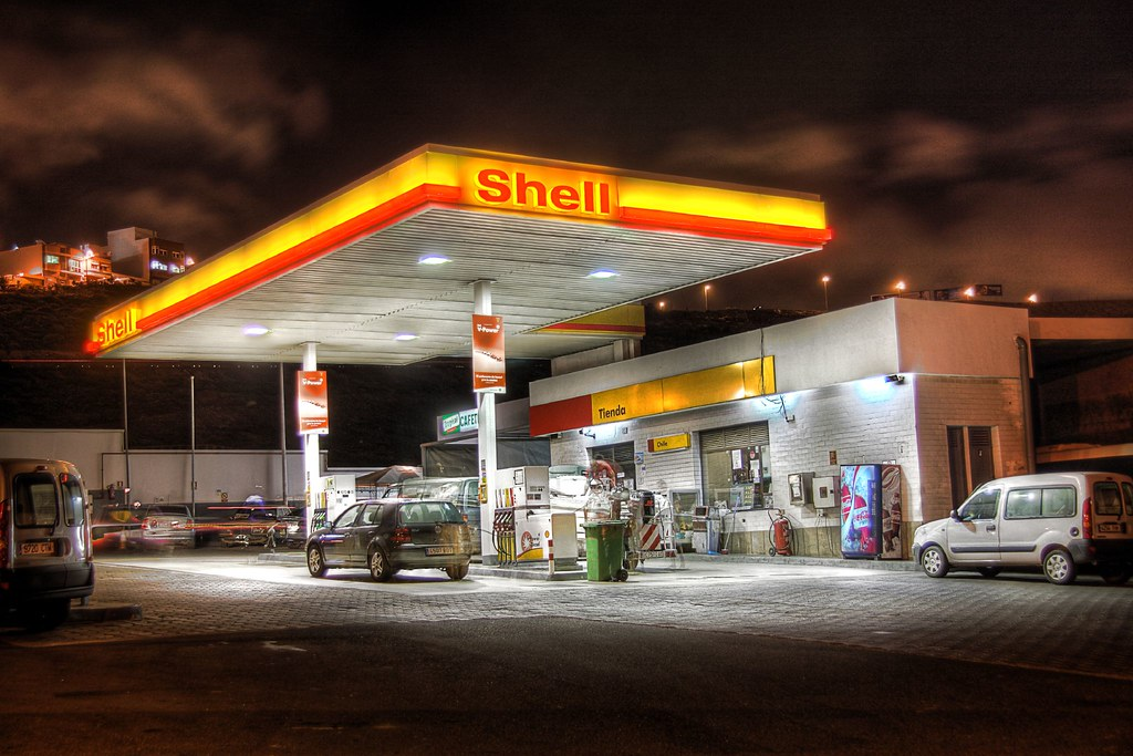 shell petrol station gino maccanti flickr. Black Bedroom Furniture Sets. Home Design Ideas