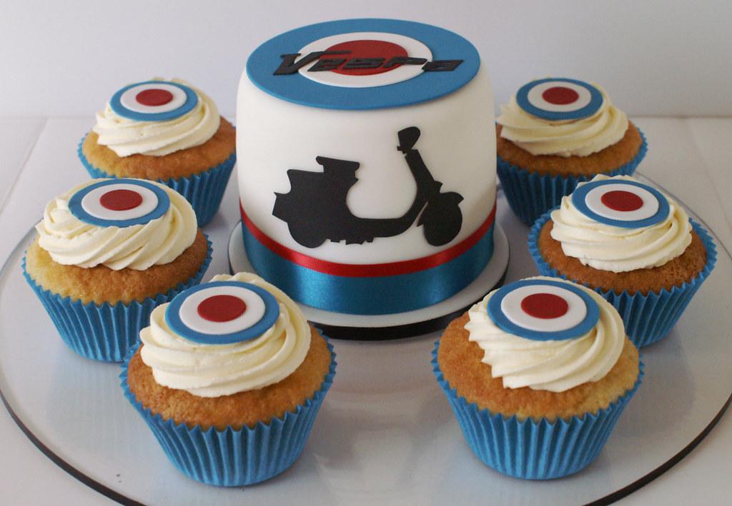 Vespa Cakes A last minute birthday order for a Vespa fanat Flickr