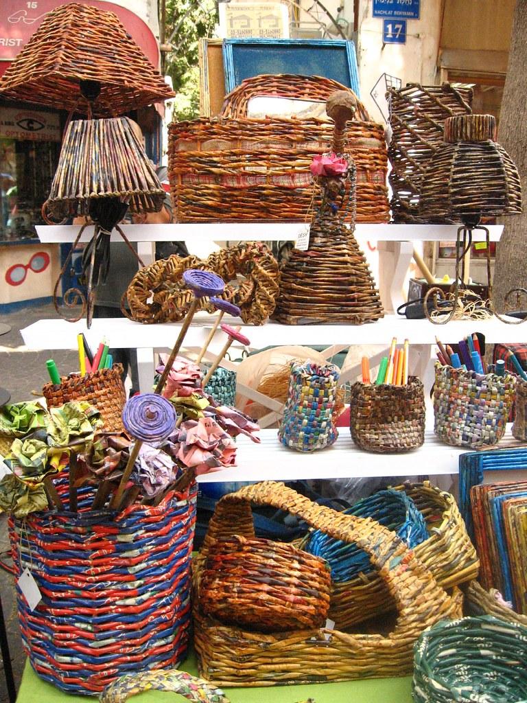 Basket Weaving Ornaments : Newspaper weaving taken this summer at the nahalat