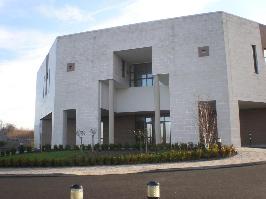 Ismaili Jamatkhana, Waterside Road, Leicester | Designed ...