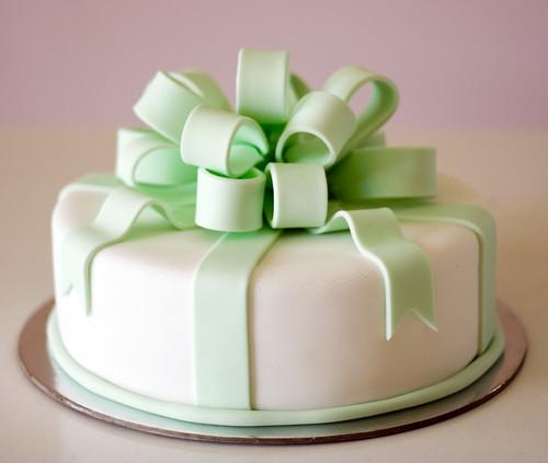 Green Loop Bow choc mud cake with fondant icing, fondant ...