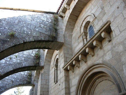 Colegiata de Santa María la Real de Sar  Muro norte de la ...