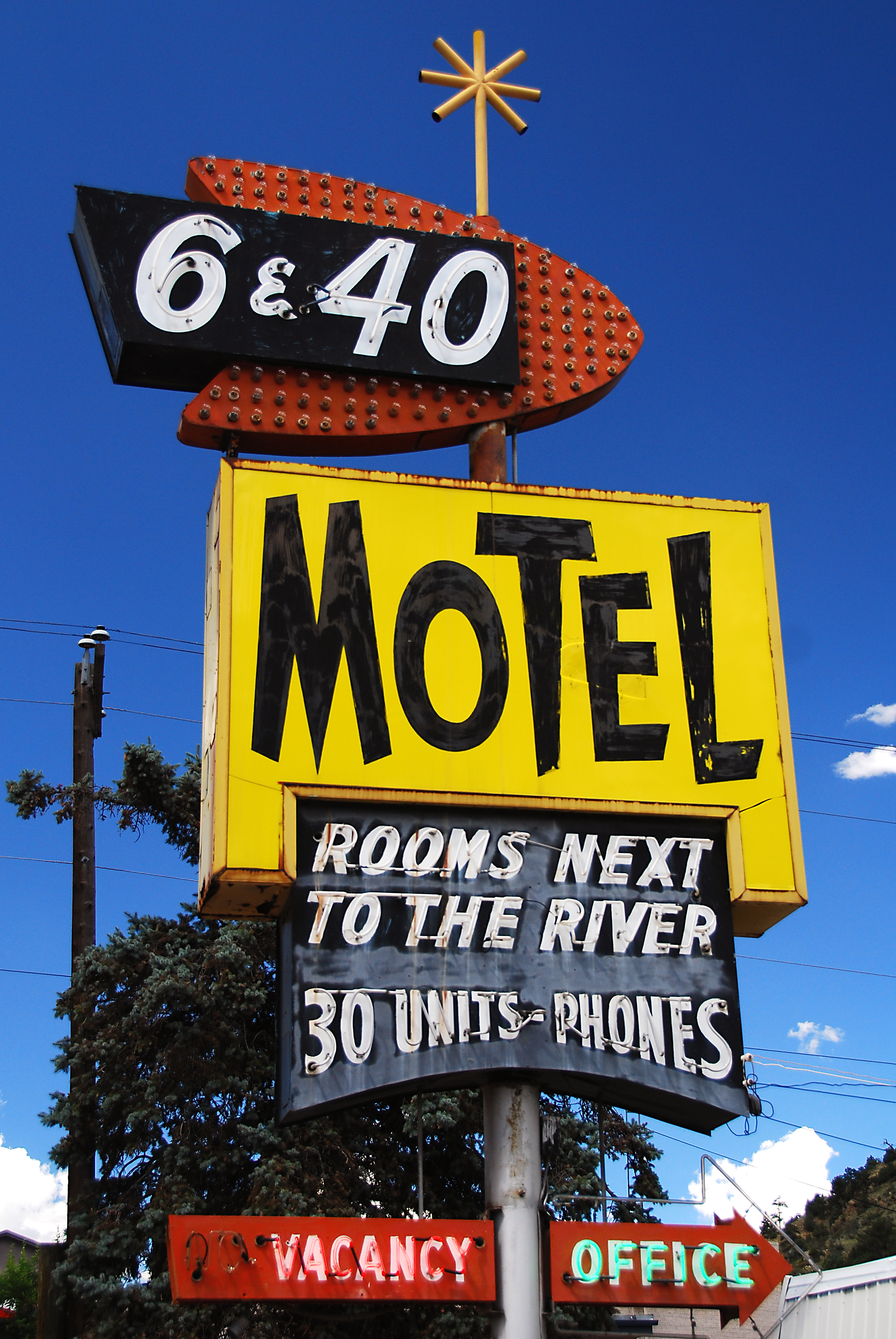 6 and 40 Motel - 2920 Colorado Boulevard, Idaho Springs, Colorado U.S.A. - August 13, 2007