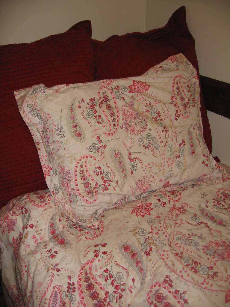 Pottery Barn Bed Spread And European Red Pillows Pottery