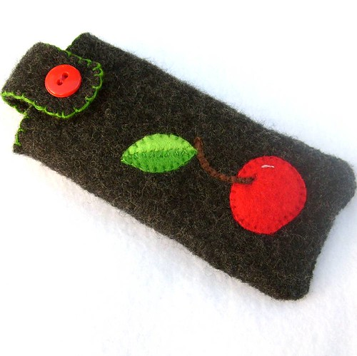 Cherry ipod/cell phone pouch | by refabulous