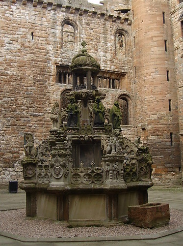 Linlithgow - Linlithgow Palace - The Central Fountain | by pariscub