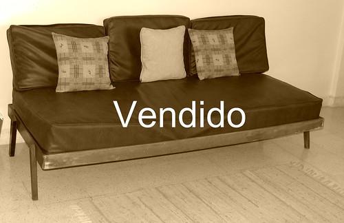 Sof cama de madera forrado con cuerina gs flickr for Sofa cama de madera