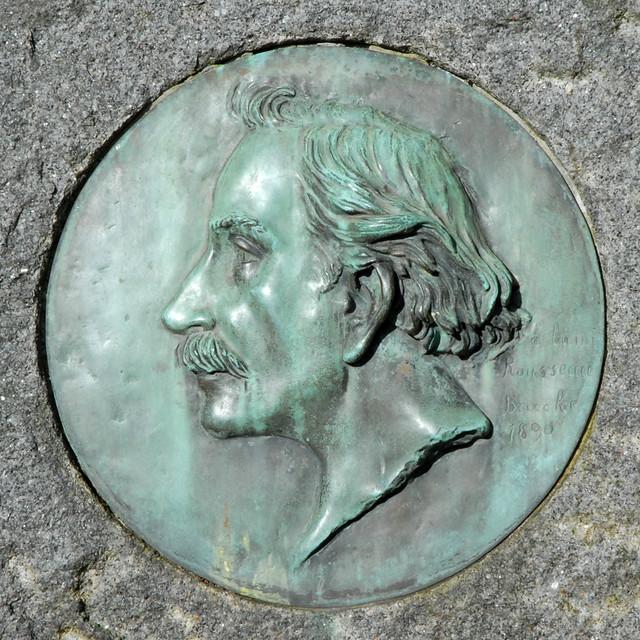 Le Douanier Rousseau (médaillon de sa tombe) à Laval  Flickr