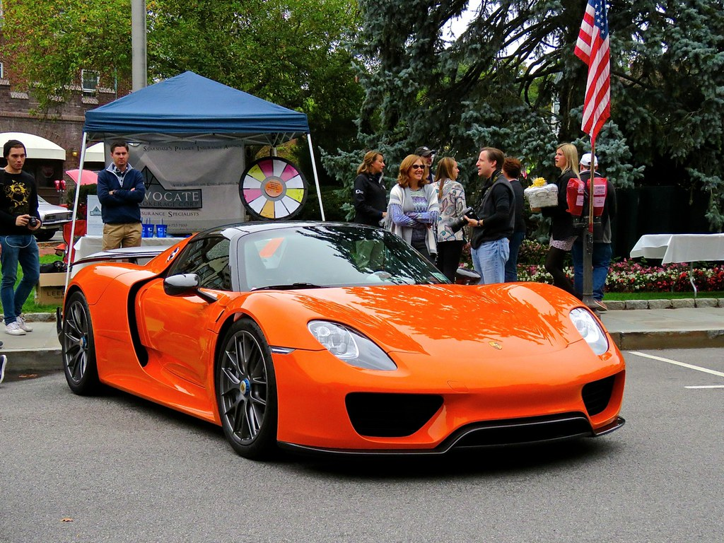 Porsche 918 Weissach Orange 3