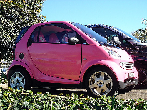 bright pink smart fortwo this pink smart fortwo has pink f flickr. Black Bedroom Furniture Sets. Home Design Ideas