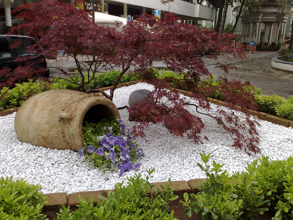Aiuole con pietre te64 regardsdefemmes - Aiuole giardino fai da te ...