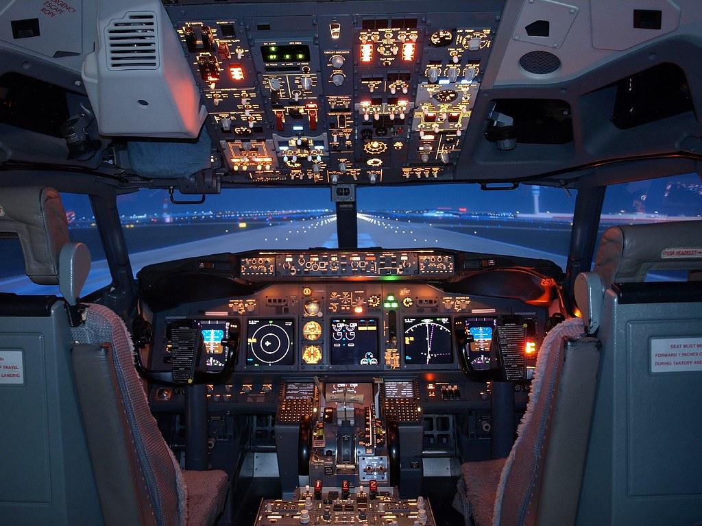 Boeing 737 800 Cockpit Poster pdf Smart