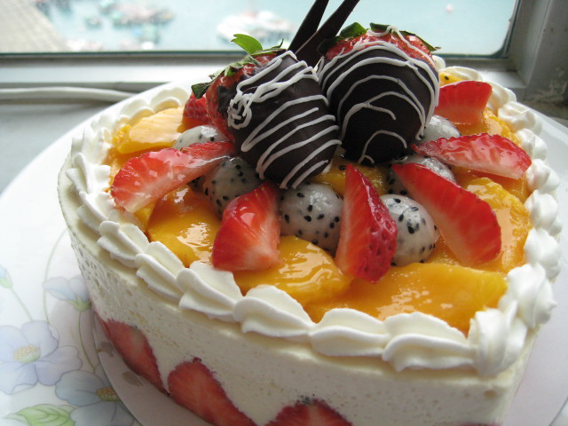 Fruit Shaped Cake Decoration : Fresh Fruit Tofu Mousse Cake (Heart Shaped)1 ???????? ...