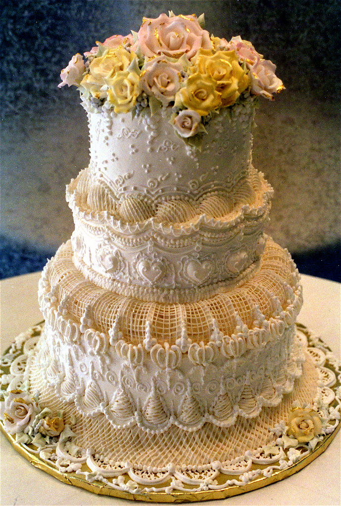 how to make a 3 tiered victoria sponge wedding cake tiered cake decorated in the top 15776
