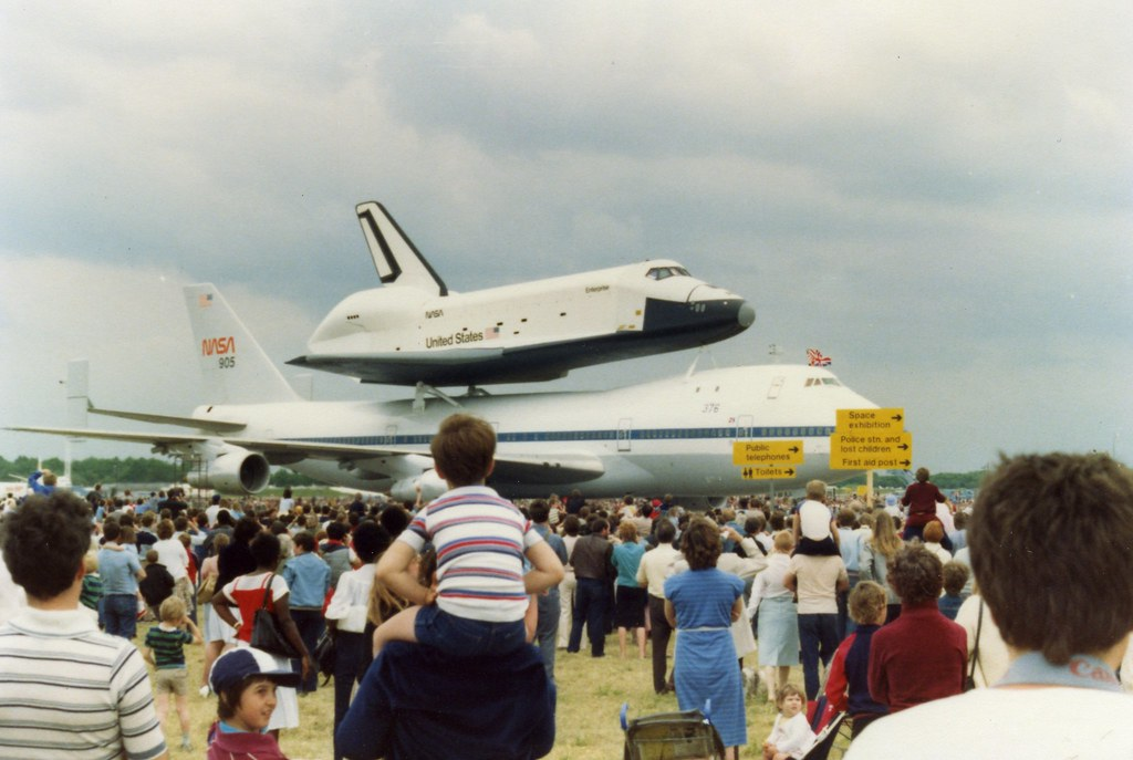 space shuttle landing at stansted - photo #8