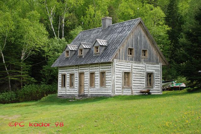 Le d cor de la maison des pronovost les filles de caleb flickr - Maison de fille ...