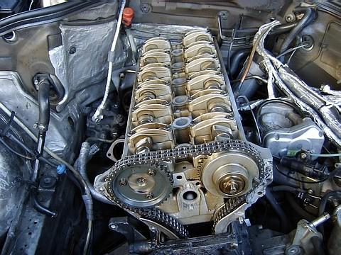 Mercedes M104 Engine W124 M104 Engine Cylinder Head