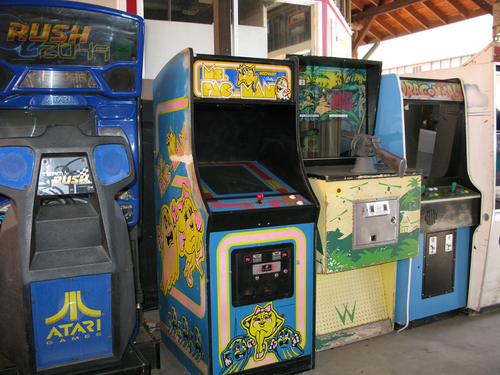 Old Video Games At The Manitou Arcade There Are Many Many Flickr