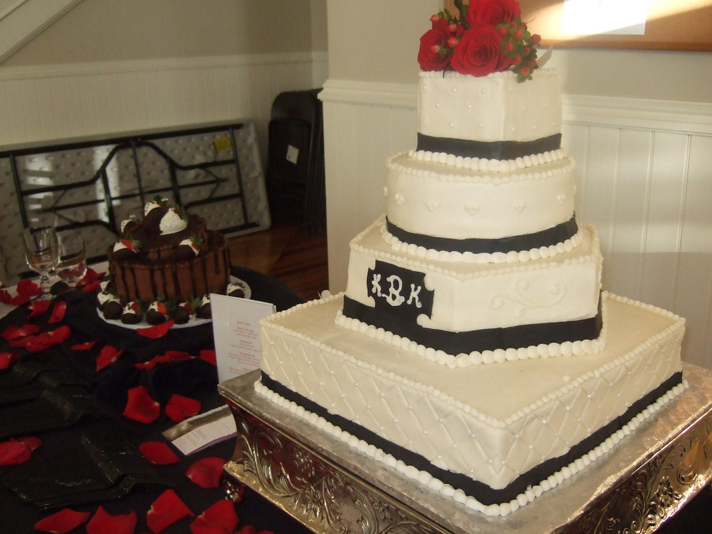 black and white themed wedding cakes black and white themed wedding cake the s colors 11842