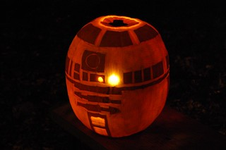 R2-D2 Jack-o'-lantern | by Derringdos