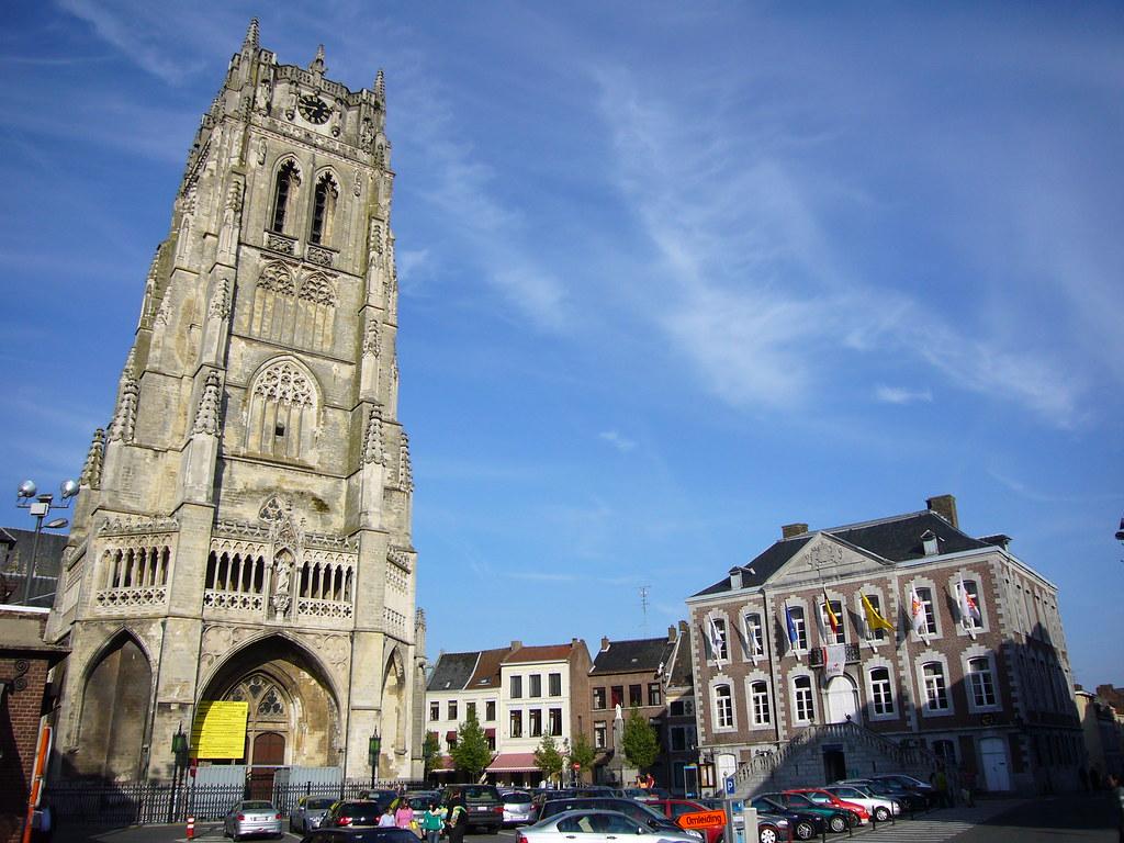 Tongeren Belgien belgien tongeren markt kathedrale und rathaus ekunz flickr