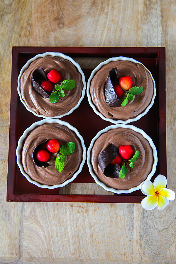 Eggless Chocolate Mousse: Chocolate Mousse Without Gelatin Or Agar Agar