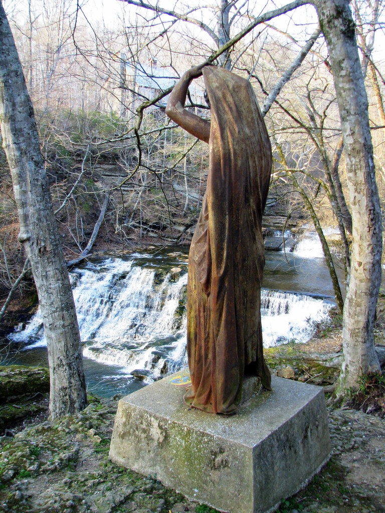 Rutledge Falls statue | Don't most waterfalls have statues ...