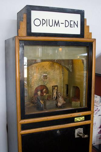 Opium Den arcade machine | Classic arcade machine; insert ...