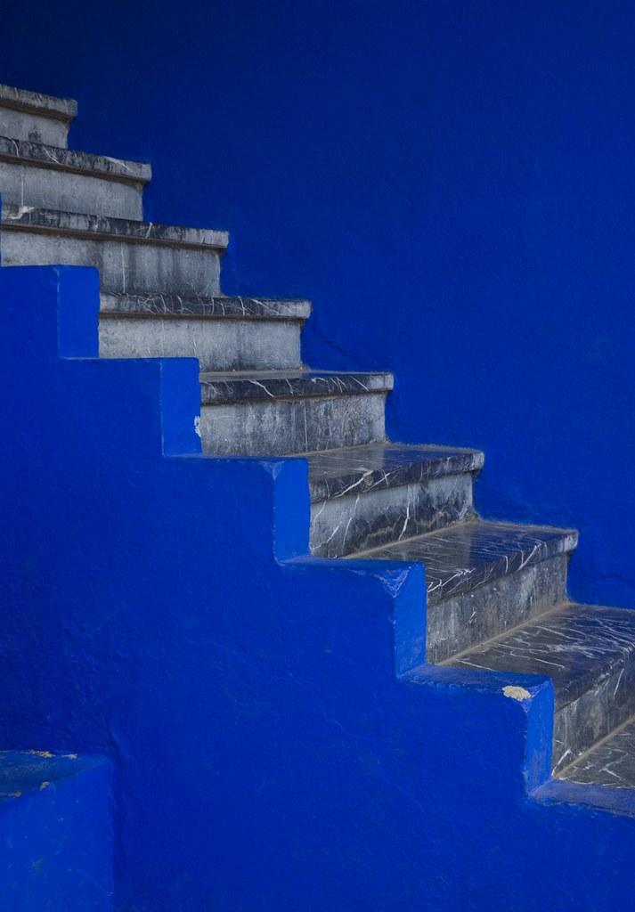 majorelle blue stairs darsanofparvati flickr. Black Bedroom Furniture Sets. Home Design Ideas