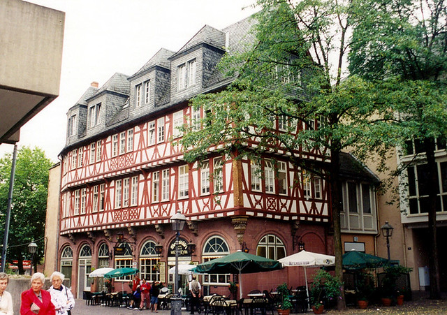 Frankfurt Haus Wertheym An Inn Built Around 1600 It Is Flickr