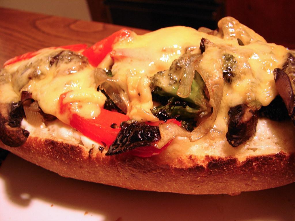 Portobello, Broccoli, and Red-Pepper Melts   Recipe here: ww ...