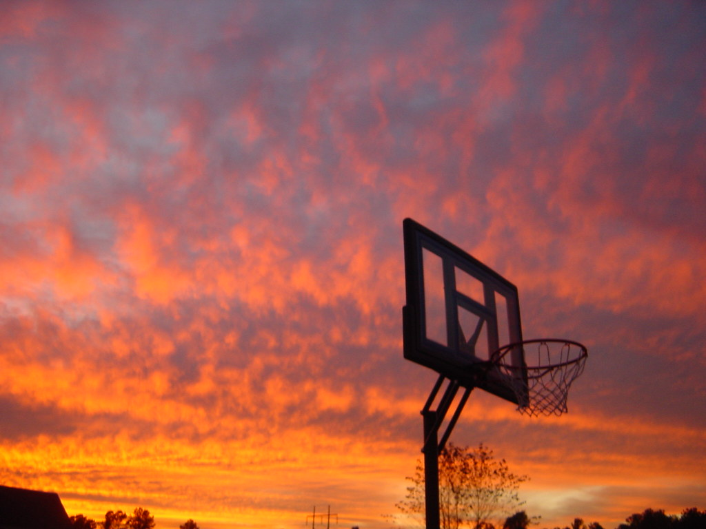 Basketball Sunset | I really liked the angle through the ...