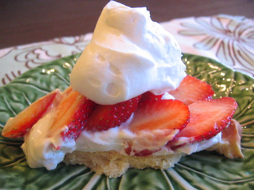 strawberry cream cheese tart close-up | by tofu666