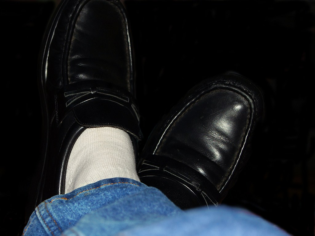 i still roll with blue white socks and black shoes