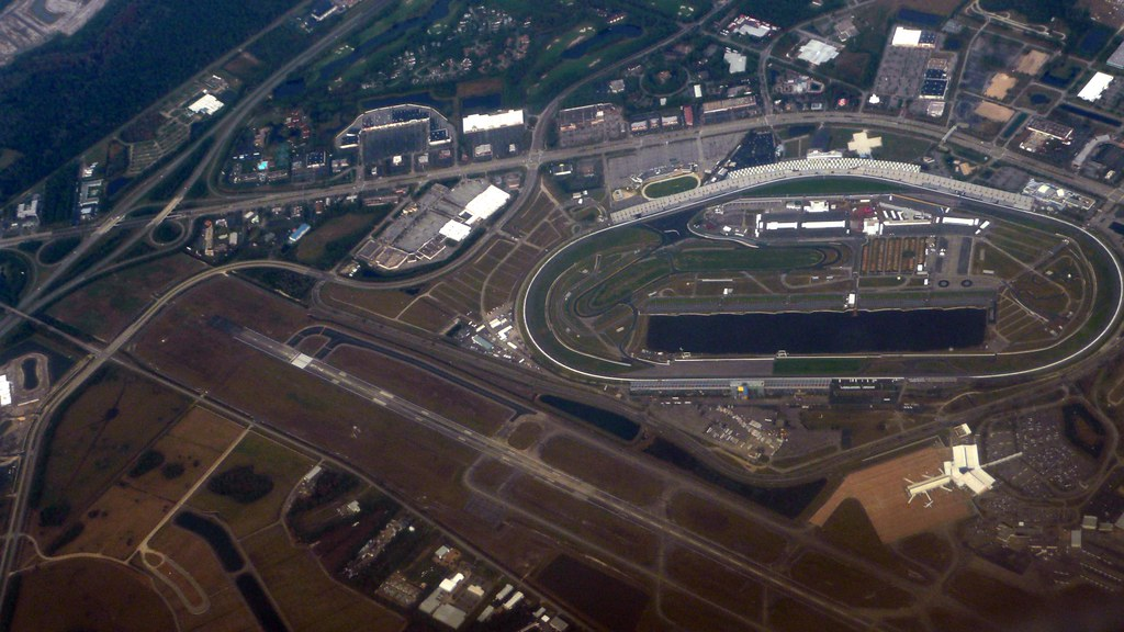 Orlando >> Daytona Speedway and Airport | On a flight from Philly to Or… | Flickr