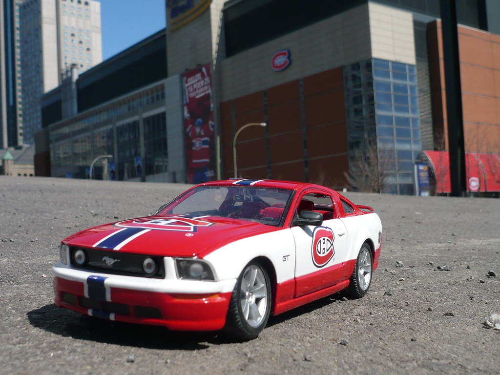 A Montreal Canadiens Ford Mustang Gt In Front Of The Bell