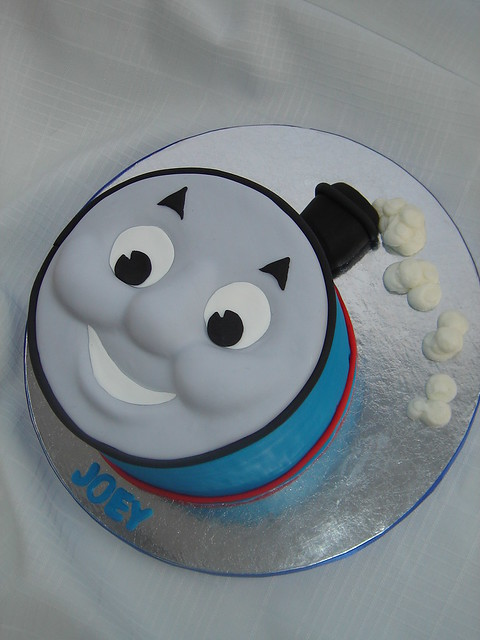 Easy Thomas Face Cake